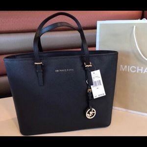 New $278 Michael Kors Jet Set Travel MK Handbag